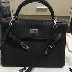 Like New Hermes Kelly 32 Black PHW Stamp X